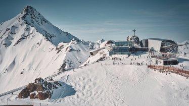 Lanovka Gaislachkogelbahn s muzeem Jamese Bonda Elements 007 a restaurace Ice Q v Söldenu, © Ötztal Tourismus