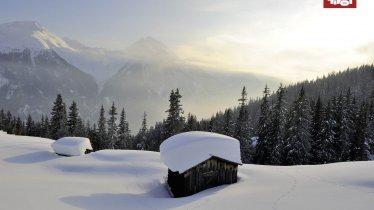Zasněžená horská krajina