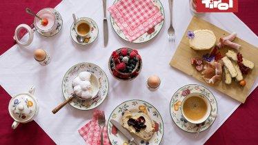 Snídaně, © Tirol Werbung/Bert Heinzlmeier