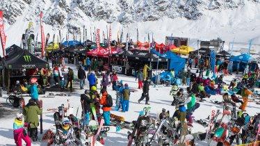 Das Kaunertal Opening ist ein großes Treffen der Snowboard- und Freeskiszene, © Kaunertaler Gletscherbahnen